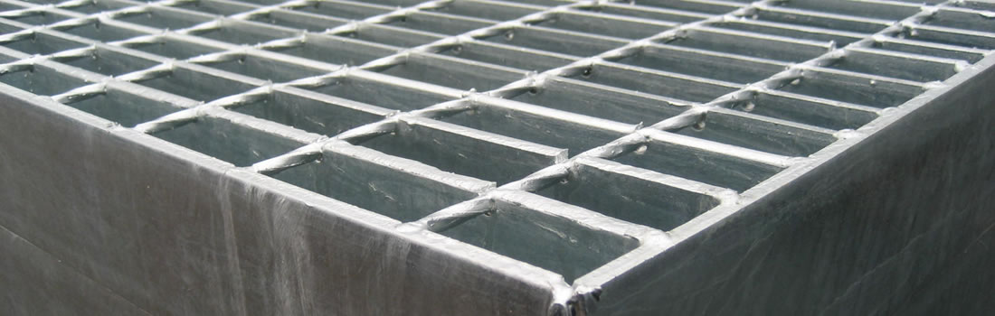 Executam zincare termica pentru piese metalice de mari si mici dimensiuni. Zincam la cald confectii metalice, structuri metalice, organe de asamblare diverse